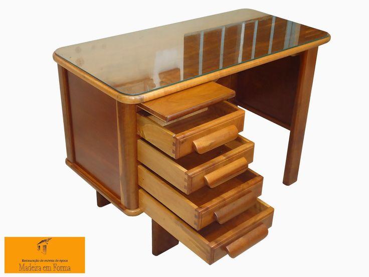 Restauração de Móveis de Época : Escrivaninhas restauradas.