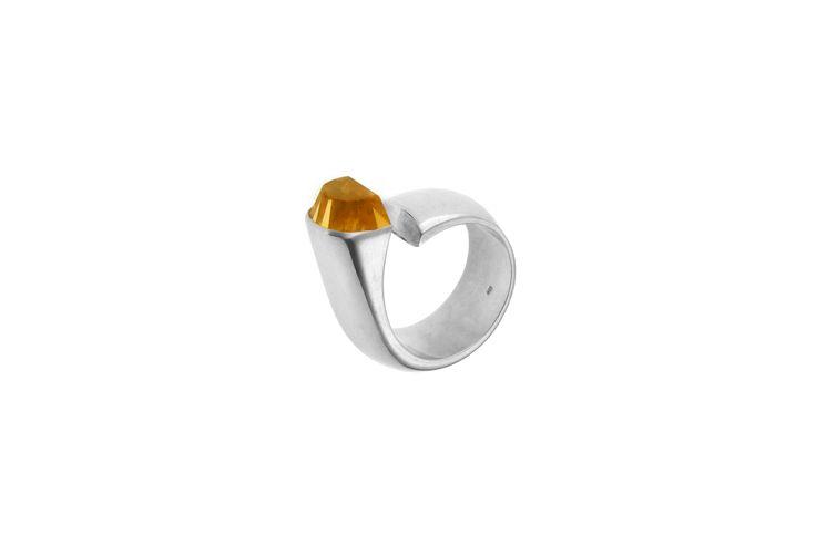 Ring: silver, lemon quartz www.gaalgyongyver.hu