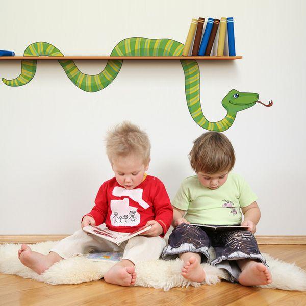 Wandtattoo – Wandtattoo Wanddeko Schlange Dschungel Bücherwurm – ein Designerstück von mauer-bluemchen bei DaWanda