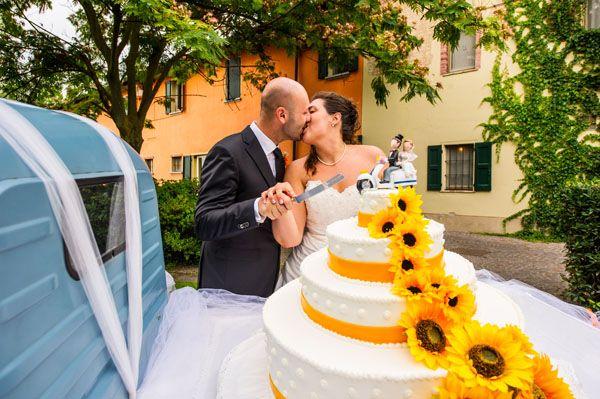Girasoli e Vespe per un matrimonio estivo: Chiara e Roberto