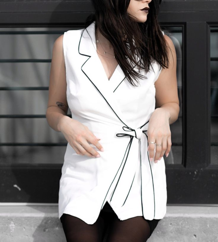 Contrast Piped Sleeveless Long Waistcoat White at Fashionlush Store | Lookave #vest #white #waistcoat @fashionlush @missguided #ootd #onlineshopping #lookave #onlineshopping #streetstyle #style #fashion #outfit