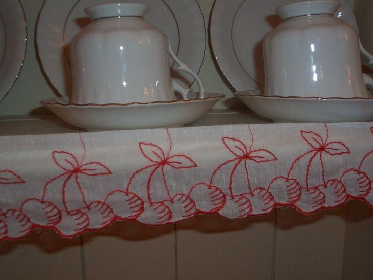 vintage shelf edge fabric from France: Vintage Shelf, Country Styles, Shelf Edge, French Country, Edge Fabrics