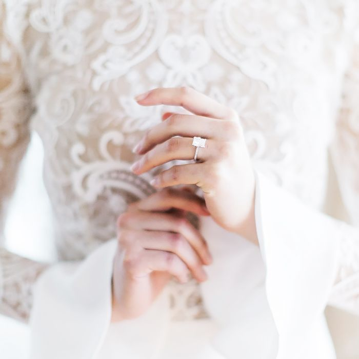 Want to keep your wedding rings sparkling? Read on to learn how to clean wedding rings, according to two professional jewelers.