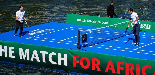 """Federer joga com Murray por crianças africanas: """"Não sabem que sou famoso"""""""