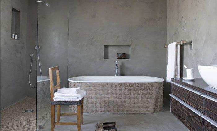 Comment Recouvrir Un Ancien Carrelage Par Un Enduit Decoratif En 2020 Salle De Bain Design Meuble Salle De Bain Salle De Bain