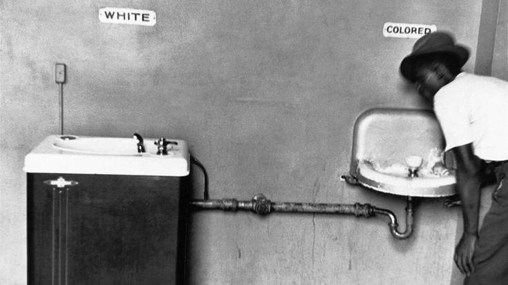 La larga lucha por la igualdad. En infobae.com la galería completa del movimiento por los derechos civiles en el 60 aniversario de la negativa de #RosePark a ceder su asiento de autobús.  #mundo #sociedad #ddhh by infobae