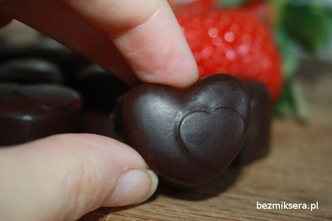 I would recommend praline chocolate for Valentine's Day