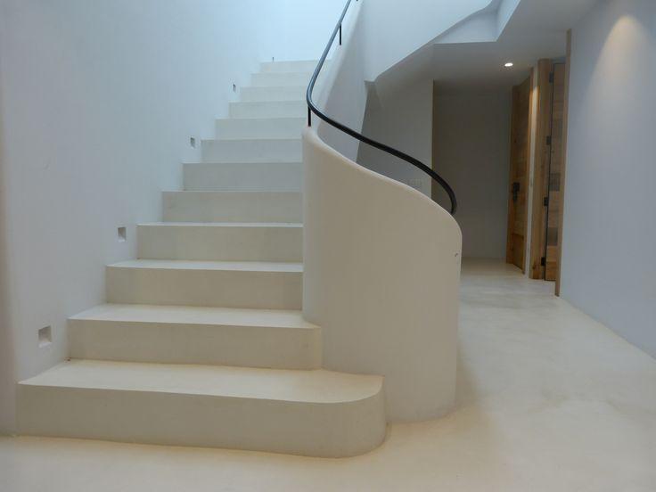 Acabado de escalera con microcemento crema especial para for Apliques para subida de escalera