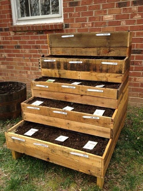 DIY garden box pallet