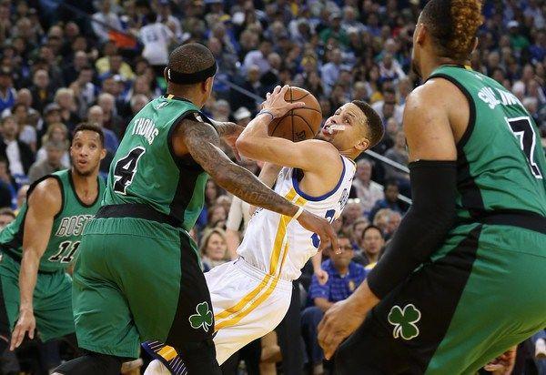 Celtics de Boston detienen en 54 racha de victorias en casa de Golden St.
