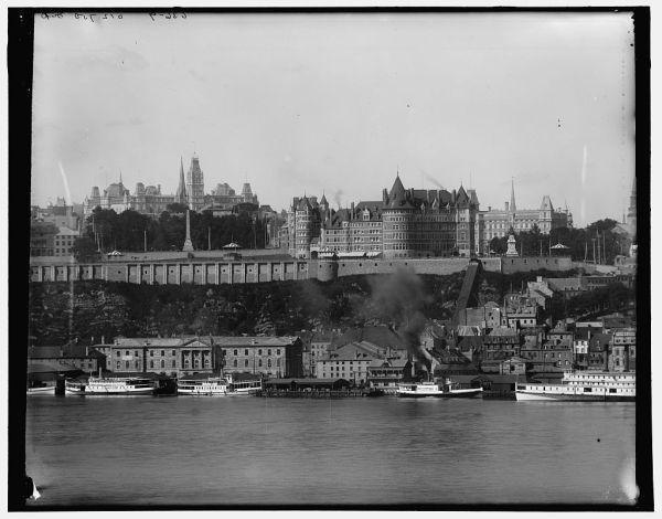 Voici quelques vues de Québec que l'on doit à la Detroit Publishing Co, connue pour ses cartes postales. Ces photographies proviennent du site de la Bibliothèque du Congrès, collection Detroi…
