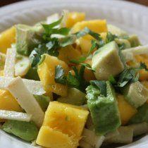 Esta ensalada es súper refrescante para un día de verano de mucho calor. La mezcla de sabores dulce y salados van muy bien juntos.