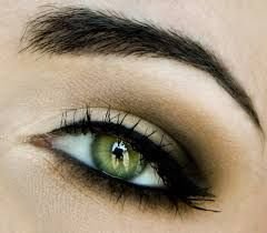 .half smoky eye...I like this