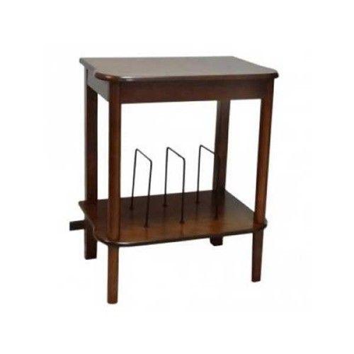 De bovenkant van het meubel sluit naadloos aan op de NR513. Maar hij is voor elke platenspeler te gebruiken.   De plank onder aan het meubel is uitgerust met steunen die zorgen voor een gemakkelijke opslag van LP's zodat je altijd je favoriete muziek dicht bij je platenspeler hebt staan.   De tafel wordt geleverd in doos en is simpel in elkaar te zetten. Afmetingen: 65 x 54 x 36 cm (h / b / d)   incl. 2 jaar garantie