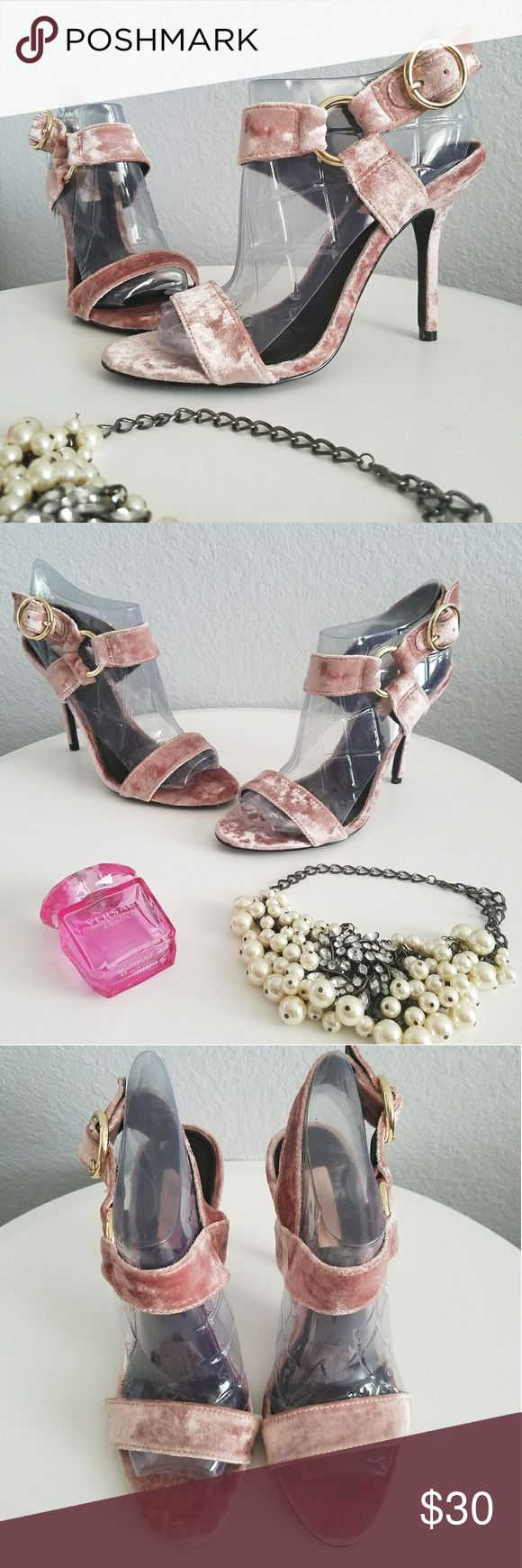Crush Velvet Pink Topshop Heels New. Never before worn. These are absolutely gorgeous heels! Very classy and elegant open toe sandal heel. They feature a pink crushed ballet velvet material with gold hardware on the straps. Very soft and comfortable as well. No box. Let me know if you have any questions! Topshop Shoes Heels