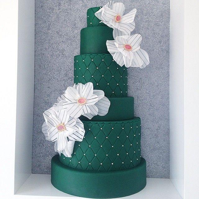 Caketress; Swooning Over These Amazing Wedding Cakes - Caketress