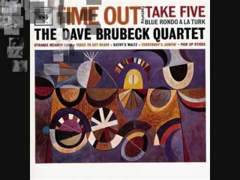 """Dave Brubeck, nació en el seno de una familia burguesa y muy religiosa. Su madre era pianista, sus dos hermanos mayores estudiaban música clásica y el joven David, estudiaba piano y violonchelo desde los nueve años. Profundiza sus estudios de piano, teoría y composición en el """"College of Pacific"""" tras renunciar a sus estudios de veterinario.  http://www.apoloybaco.com/jazz/index.php?option=com_content=article=1719=277"""