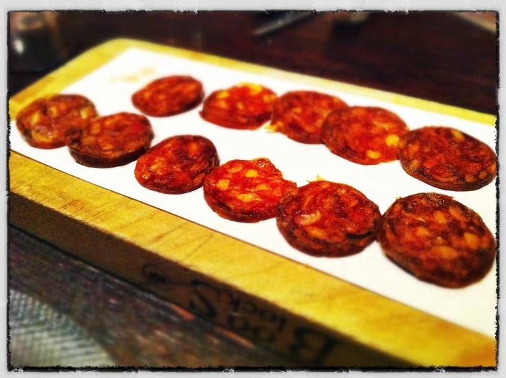 Chorizo-Wurst mit Iberico-Schinken.