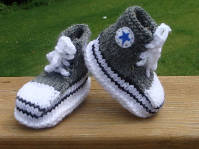 Baby booties knitting patterns free uk Knit - babies and toddlers Pintere...