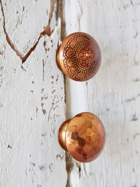 These stunning copper knobs are decorated with an intricate pattern and will instantly transform any piece of furniture.