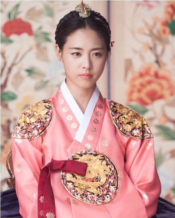 "Hwajung 화정 MBC 2015 // Lee Yeon Hee as Princess Jongmyeong: ""She will do what the king and court could not do. She will display how power can serve the people."""