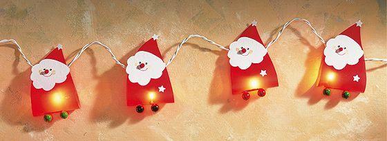 Eine Lichterkette basteln ist mit dieser Anleitung ganz einfach. Holen Sie sich mit der süßen Lichterkette Weihnachten ins Haus. © OZ Verlags GmbH