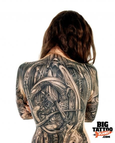 Alicia Musson HR Giger tattoo