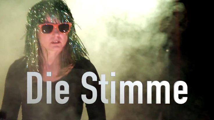 """Theatersport Berlin - """"Die Stimme""""  Theatersport Berlin: DIE STIMME Improvisationstheater Bei Theatersport Berlin ist jede Szene zu 100 % improvisiert. Inspiriert von Vorschlägen aus dem Publikum erschaffen die Schauspieler Geschichten Songs oder Gedichte die mal herzzerreißend komisch oder zutiefst berührend mal wortgewaltig oder gesangsstark daher kommen  dies immer vollkommen spontan denn nichts ist geprobt oder abgesprochen! DIE STIMME die erste improvisierte Casting-Show Deutschlands…"""