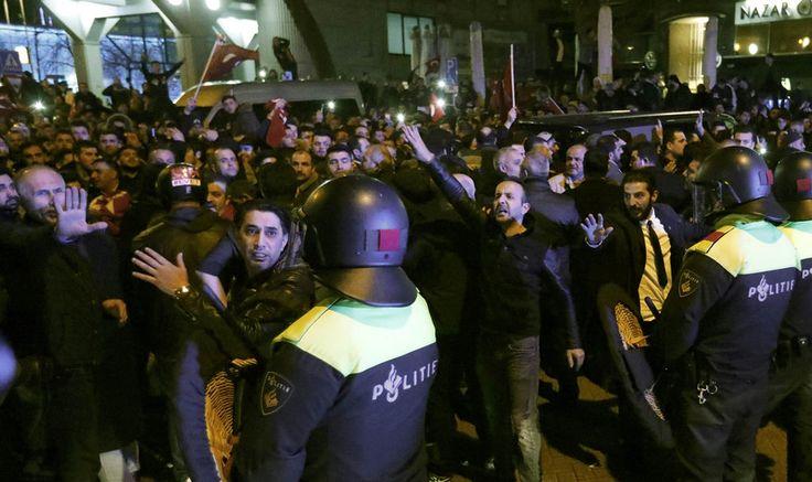 Expresso | Crise diplomática entre Holanda e Turquia origina detenção de ministra e motins em Roterdão