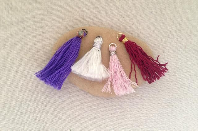 These make great simple earrings or dress up a plain bead necklace.  How to make decorative tassels to use in your jewelry designs