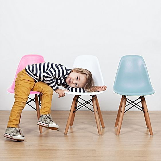 kids+junior+dsw+mcm+molded+plastic+side+chair+eiffel+dowel+leg+wood.eames,esque+
