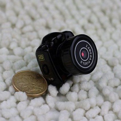 http://www.jammer-shop.com/fr/guard-mini-camera.html  Vente minorée de mini caméra de sport étanche mini caméra espion sans fil  Vente minorée de mini caméra de sport étanche mini caméra espion sans filVidéo uniquement Reconnaissance vocale Avec Micro carte SD 640*480.