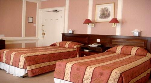 Cheap bed and breakfast London cheap hotels accommodation London. Get discount accommodation for your long stay in central London.  Hotels and bed and breakfast located close to various tourists attractions.. Visit http://www.central-london-cheap-hotels.co.uk