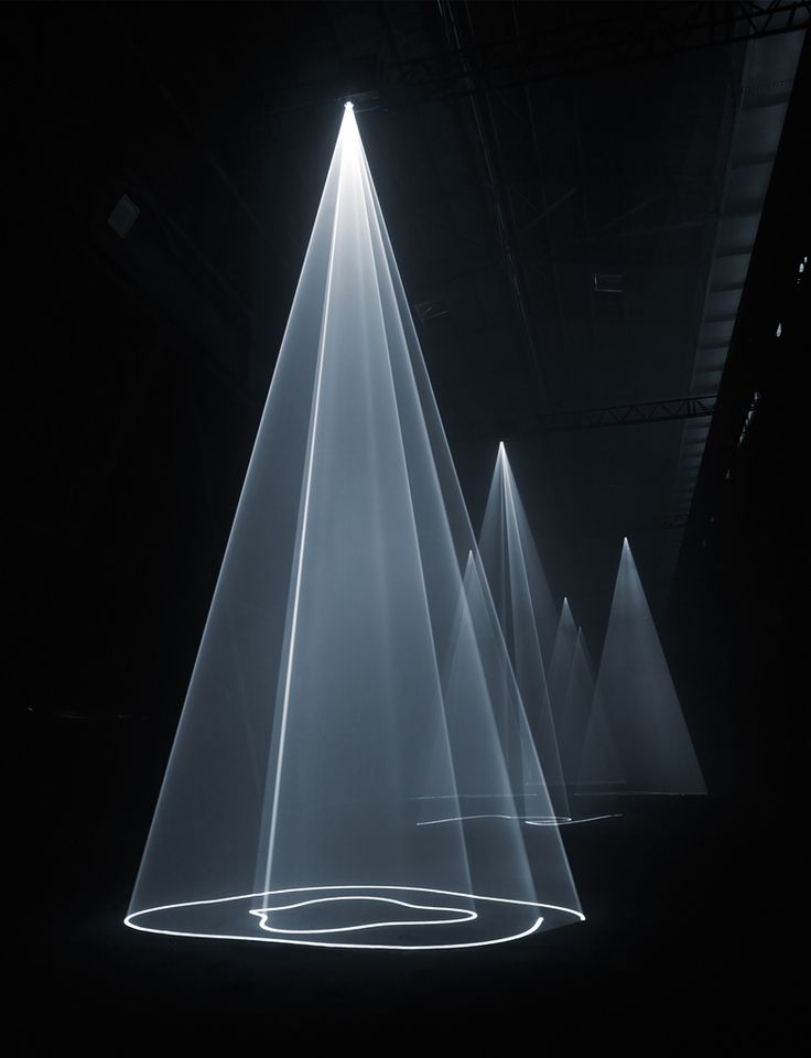 Installation view, Milan, 2009, Anthony Mccall (Photo Giulio Buono) _