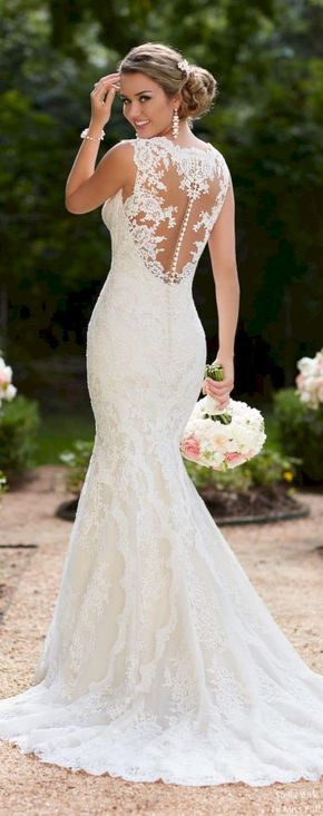 Awesome 45+ Beautiful White Lace Wedding Dress Open Back Ideas https://oosile.com/45-beautiful-white-lace-wedding-dress-open-back-ideas-9887 #weddingdress