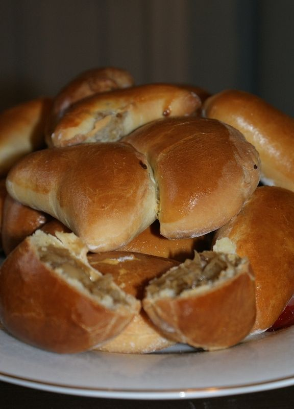 Drożdżowe pierogi z kapustą i grzybami- Briochette farci à la choucroute et aux champignons