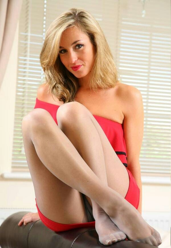 AxelA .... Pantyhose feet blog dreamed everyday