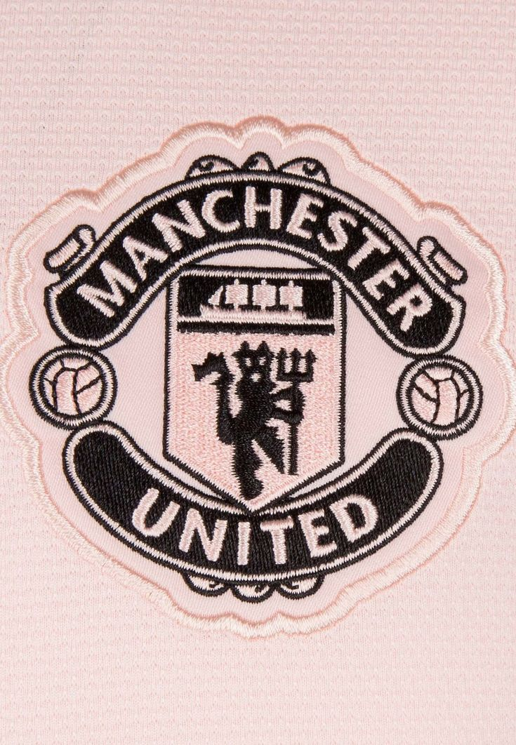 Manchester United Party In 2020 Manchester United Logo Manchester United Wallpaper Manchester United Gifts