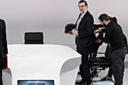 La Razón, claramente periódico de derechas en este articulo, engrandece las acometidas de Mariano Rajoy frente a Pedro Sánchez, recordando el duro peso que dejó el gobierno de Jose Luis Rodríguez Zapatero