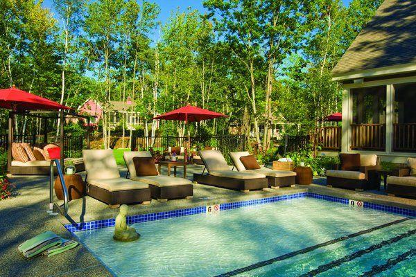 The Hidden Pond Tree Spa...i need a spa vacation!!!