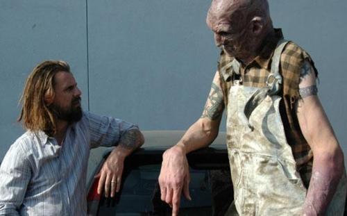 """Rob Zombie con Matthew McGrory """"Tiny"""" en House of 1000 Corpses"""