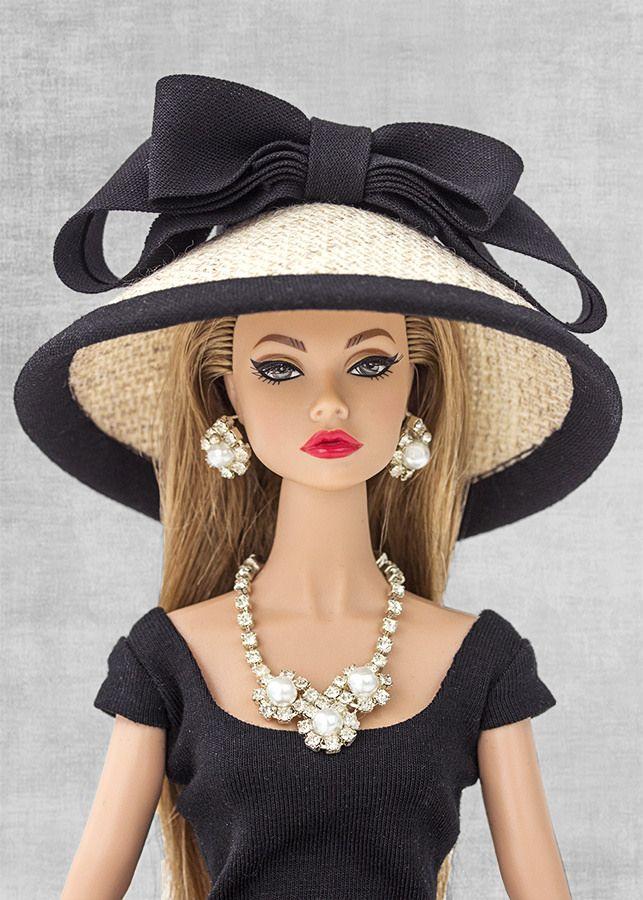 Sombrero Barbie