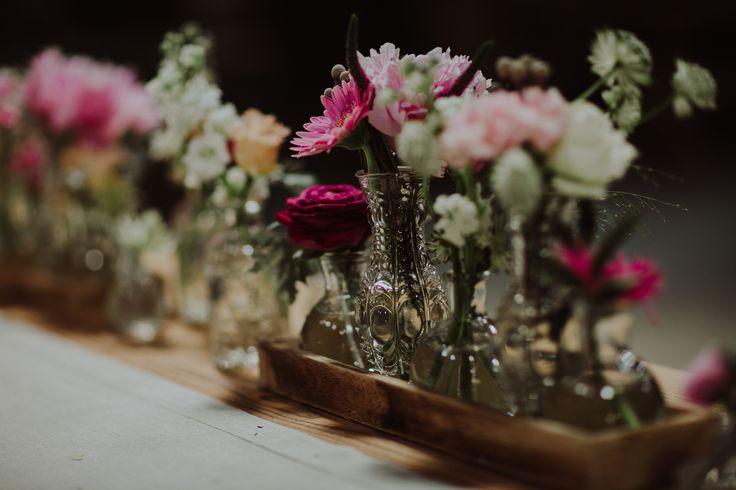 rustic wedding / vases / nature / fot. Ola Gruszka Fotografia