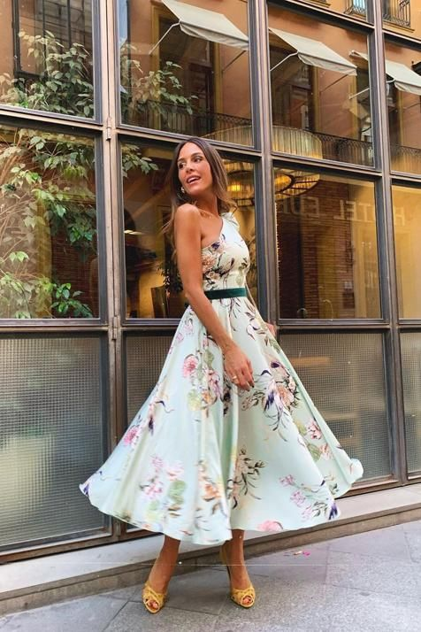 El vestido de invitada perfecto para tus bodas de primavera lo tiene Rocío Osorno Wedding Guest Looks, Floral Fashion, Pretty Dresses, Ideas Para, Cloths, Summer Outfits, Groom, Bridesmaid, Celebrities