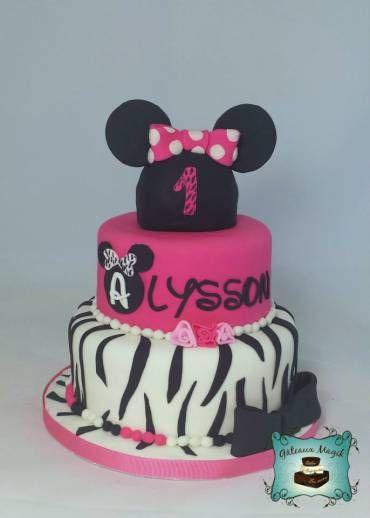 Minnie Mouse cake gateau www.facebook.com/gateauxmagik