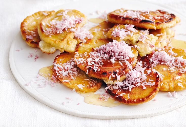 Kokos-Pancakes mit Ahornsirup