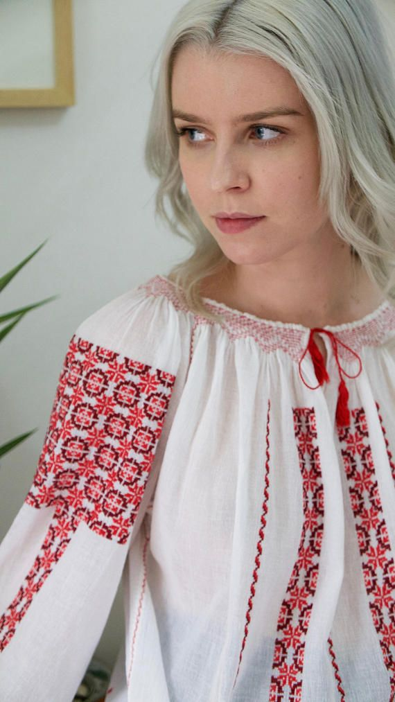 Beautiful Vintage Hand Embroidered Romanian Peasant Blouse