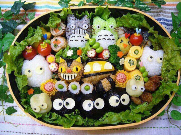 日本人のごはん/お弁当 Japanese meals/Bento トトロおむすび弁当 Totoro bento, kawaii food japan. I need to move to Japan, seriously.