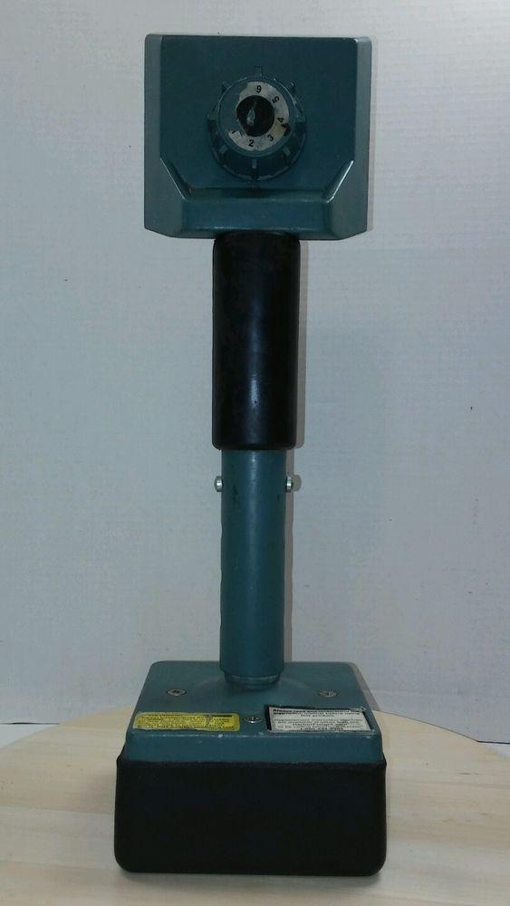 Knee Kicker Carpet Kicker - used