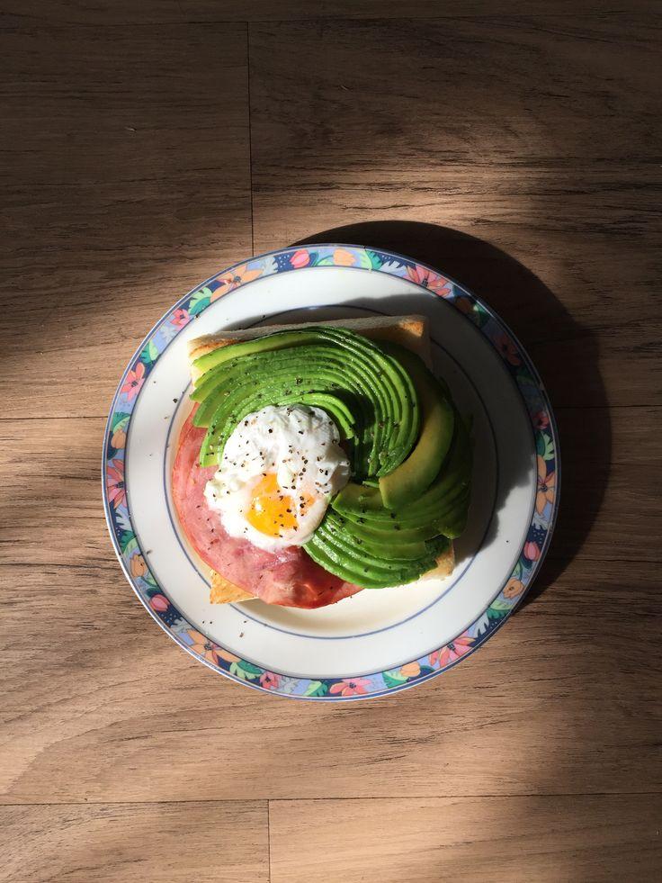 avocado, egg & ham on toast